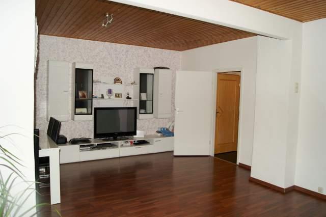 erdgeschoss eigentumswohnung mit gartenanteil und carport in elmshorn. Black Bedroom Furniture Sets. Home Design Ideas