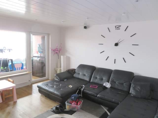 Eine Hochmoderne 4 Zimmer Etw Mit Balkon Garage Und Pkw Stellplatz