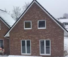 Bild: Papenburg - ERSTBEZUG - moderne Doppelhaushälfte mit Garten in Papenburg
