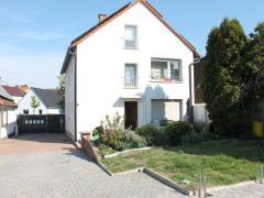 Bild: Lampertheim - KAPITALANLAGE - 3-Familienhaus, 2010/2016 voll saniert und gedämmt, zentrumsnah in Lampertheim