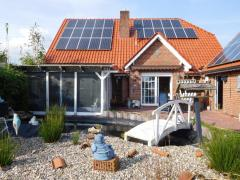 Bild: Großheide - In diesem EFH mit einem wunderschönen rückwärtigen Garten mit Pool werden Sie sich wohlfühlen