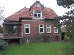 Bild: Emden - Renovierungsbedürftige Stadtvilla in Emden - Uphusen