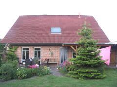 Bild: Jemgum - sehr gepflegtes Dreigibelhaus im Landhausstil in Jemgum an der Ems....