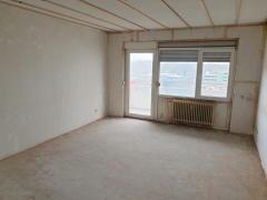 Bild: Lampertheim - Entkernte 3-Zimmer ETW mit Balkon und PkW-Stellplatz in Lampertheim